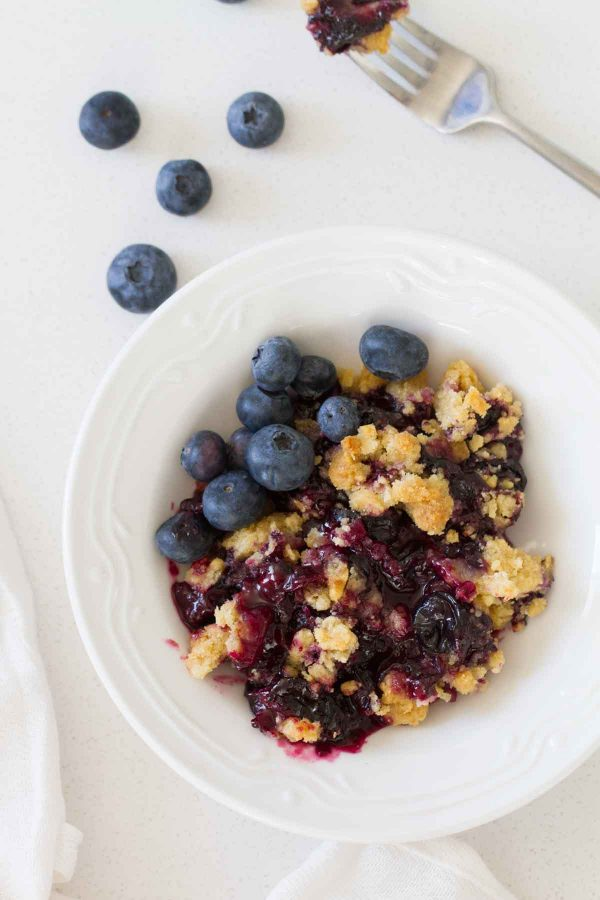 Fresh Blueberry Crisp recipe - such an easy dessert!