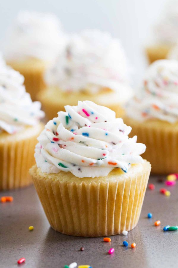 Turn your frosting into party frosting with this super easy Funfetti Frosting! Who need sprinkles on the outside when you can have them all through your frosting?