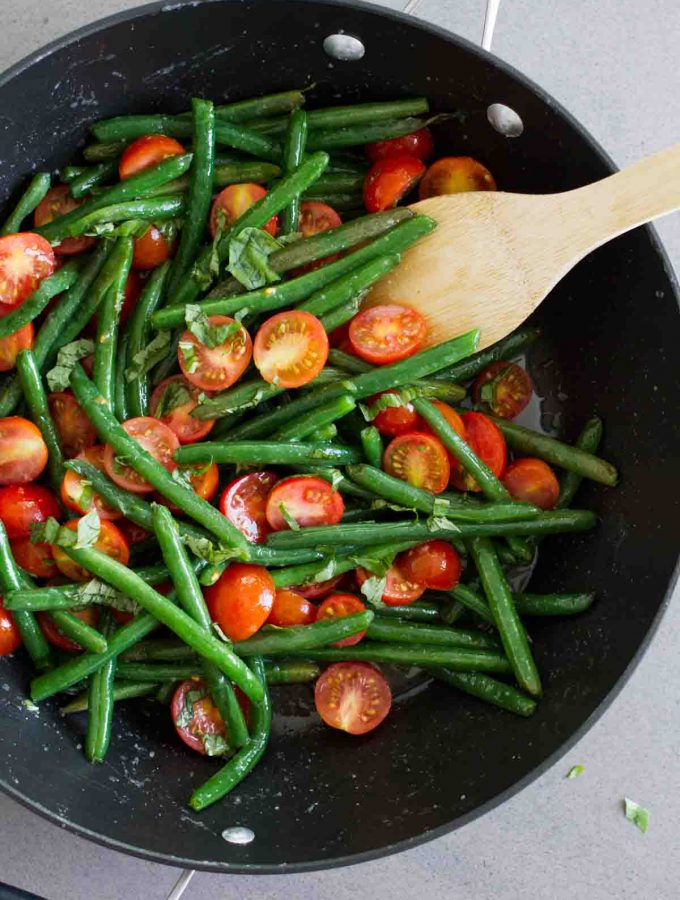 Sautéed Green Beans with Cherry Tomatoes