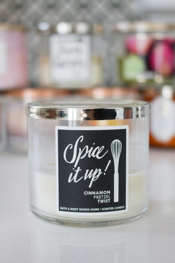 Dishing on my favorite fall candles from Bath and Body Works 2017 - Cinnamon Pretzel Twist