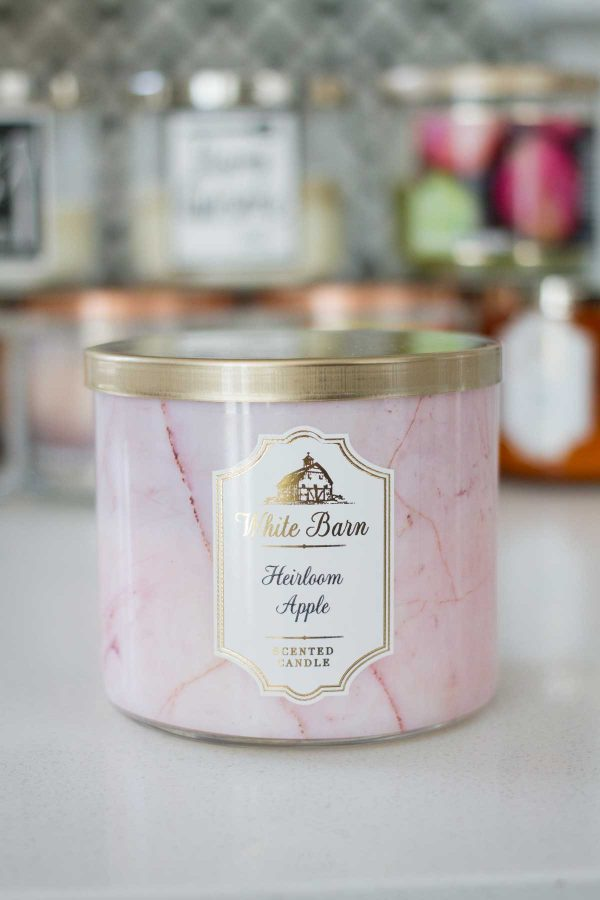 Dishing on my favorite fall candles from Bath and Body Works 2017 - Heirloom Apple