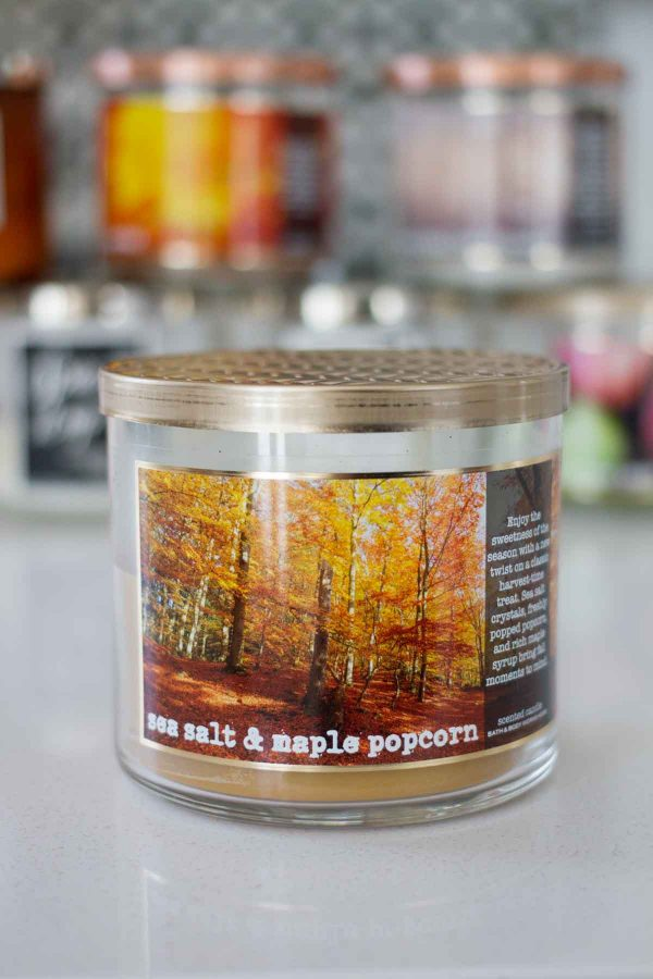 Dishing on my favorite fall candles from Bath and Body Works 2017 - Sea Salt and Maple Popcorn