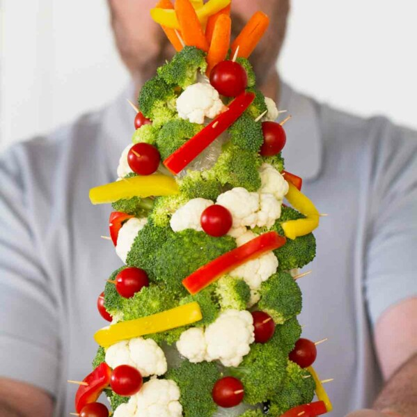 How to make Veggie Christmas Trees - the perfect holiday centerpiece or holiday fun family activity!