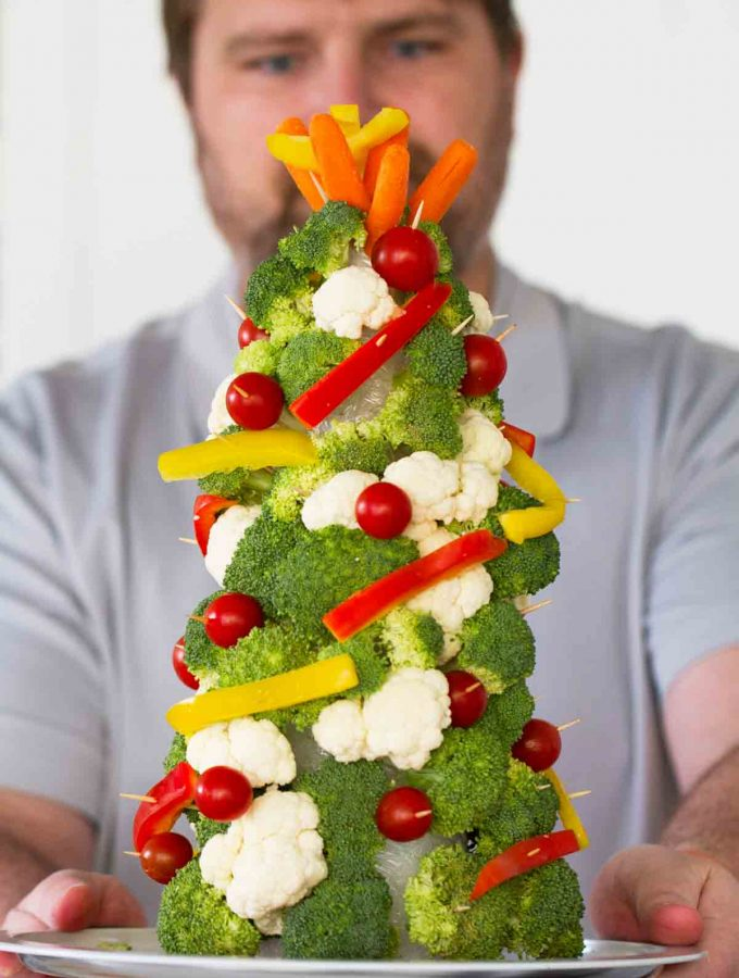 Veggie Christmas Trees + Bacon Chive Ranch Dip