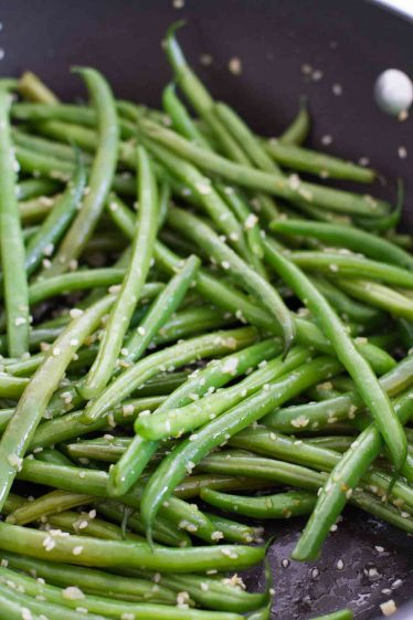 Sautéed Green Beans with Cherry Tomatoes - Taste and Tell