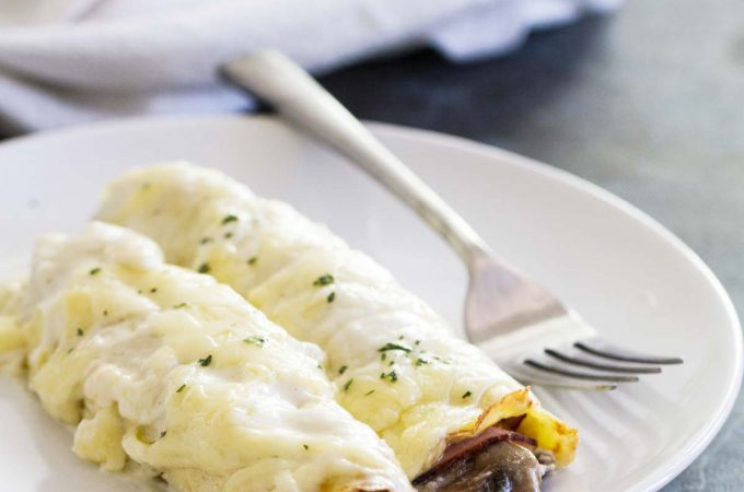 How to Make Savory Crepes with Ham and Mushrooms