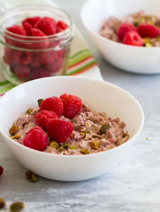 How to make Raspberry Overnight Oats Recipe