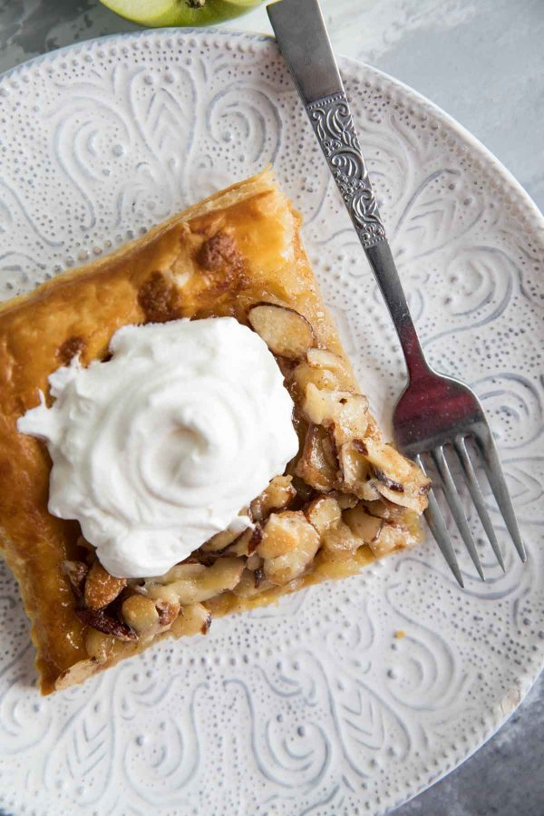 Apple Tart with Almond Topping