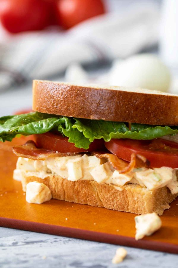 How to Make Egg Salad Sandwiches with Bacon