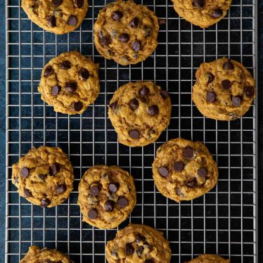 How to Make Oatmeal Pumpkin Chocolate Chip Cookies