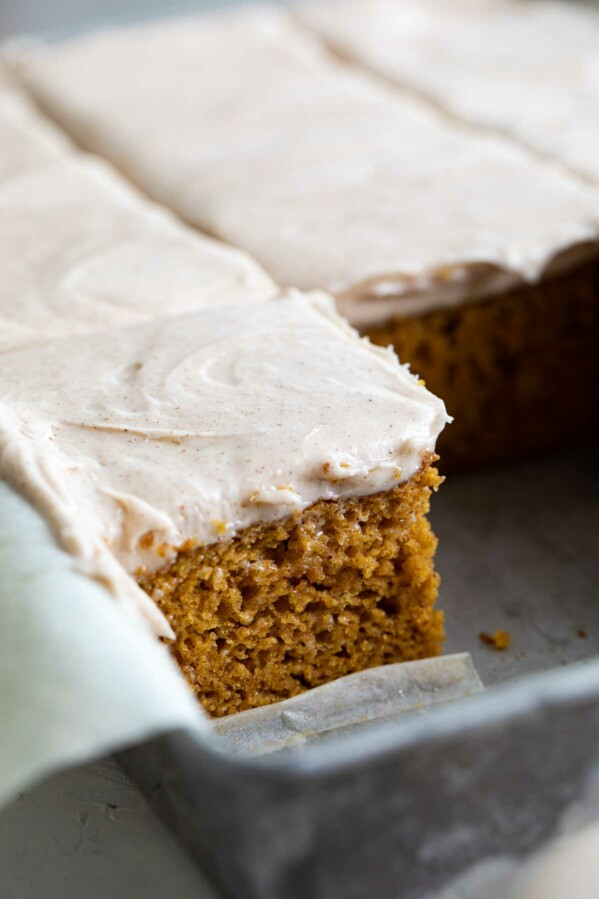 texture of pumpkin cake