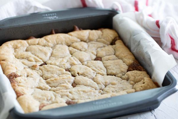 pan of snickerdoodle bars