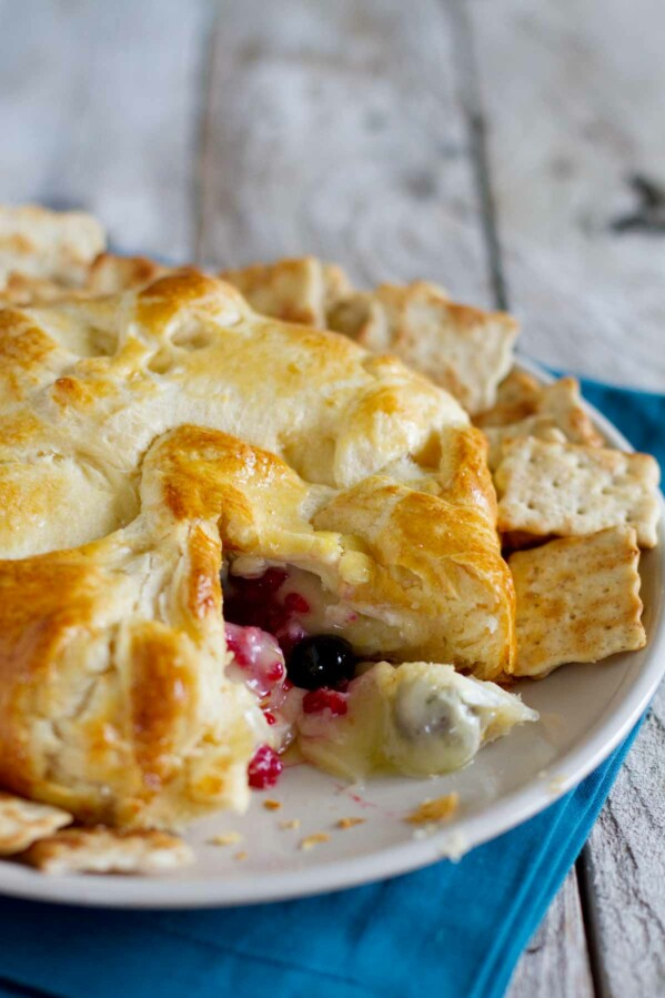 Berry Stuffed Brie en Croute Recipe