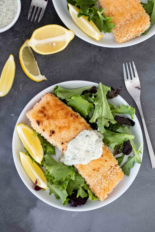 plate with salmon and remoulade sauce