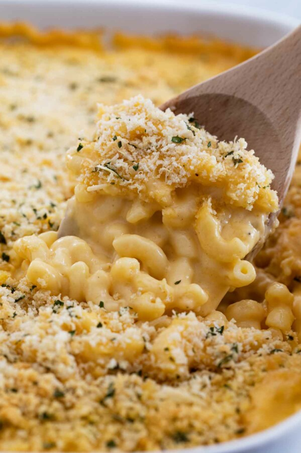 macaroni and cheese topped with panko