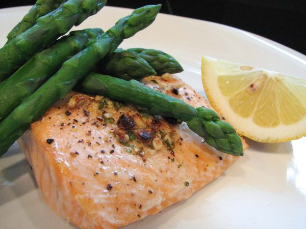 Grilled Salmon served with asparagus