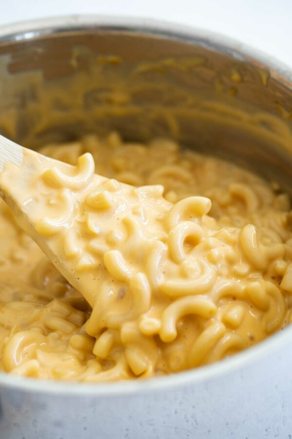 spoonful of easy mac and cheese