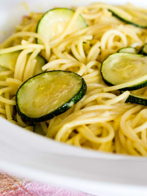 plate with spaghetti and zucchini